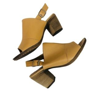 Sophia Milano Italian leather shoes Sz 7.5